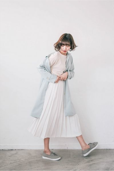 cách phối áo với chân váy maxi